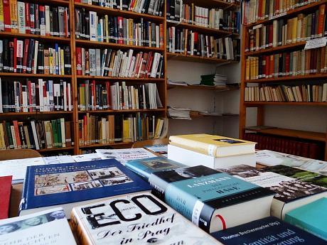 Alexander-Haas-Bibliothek